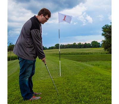 Flag rotates freely around the flagstick