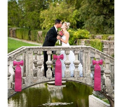 Use these bows to accentuate attention in a wedding photo and more