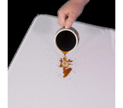 Polyester fabric repels liquid