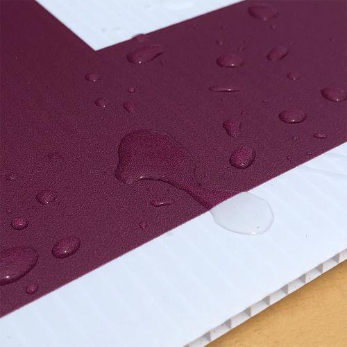 Waterproof corrugated plastic material